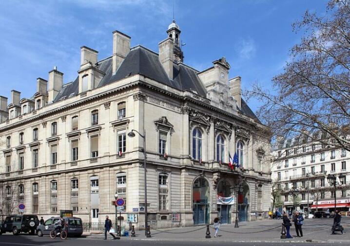 Historic building in Popincourt